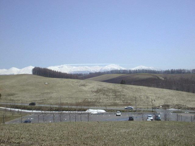 四季の交流館より十勝岳連峰を望む(2)