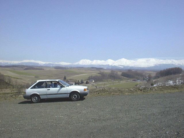 ペンションウィズユーの前から十勝岳連峰を望む(3)