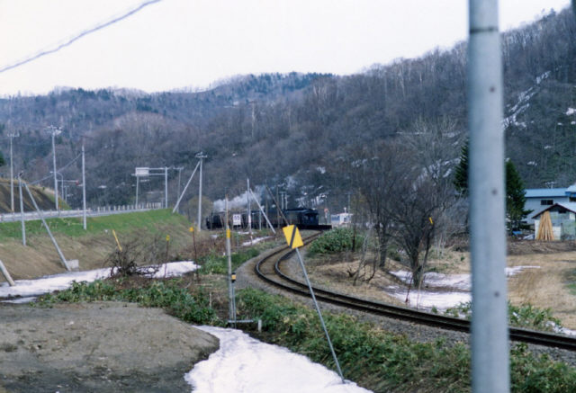 留萠へ向かうSLすずらん号(3)<一眼レフ写真>