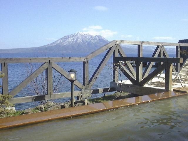 野天風呂と支笏湖と風不死岳