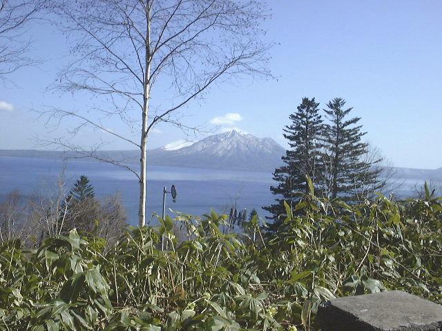 支笏湖と風不死岳(2)