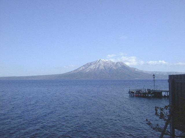 野天風呂から見た支笏湖と風不死岳