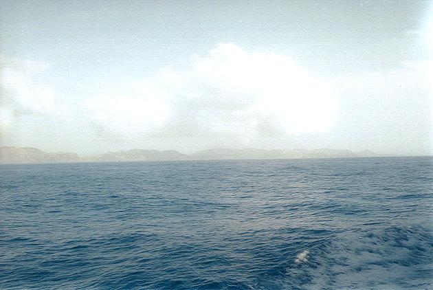 おがさわら丸から見た父島(2)