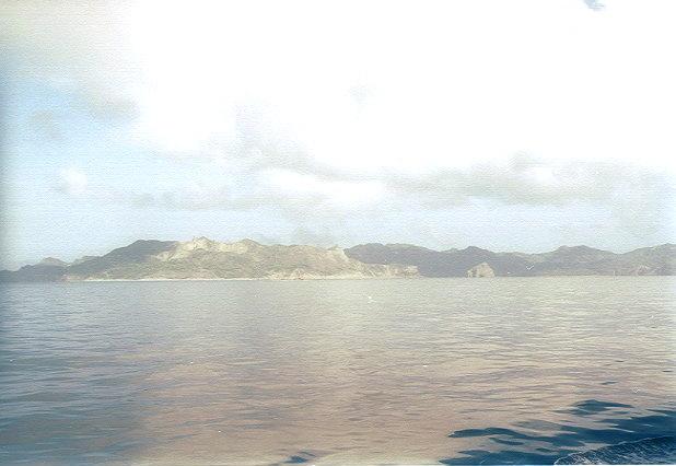 おがさわら丸から見た父島(4)