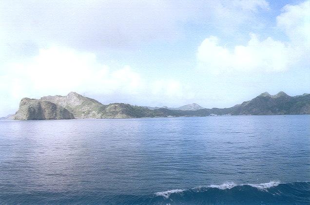 おがさわら丸から見た父島(6)